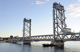 Ponts :  Conception, fabrication, et installation de ponts en acier, d'appareils d'appui, de joints de dilatation et de produits complémentaires destinés aux marchés routier, ferroviaire et forestier.